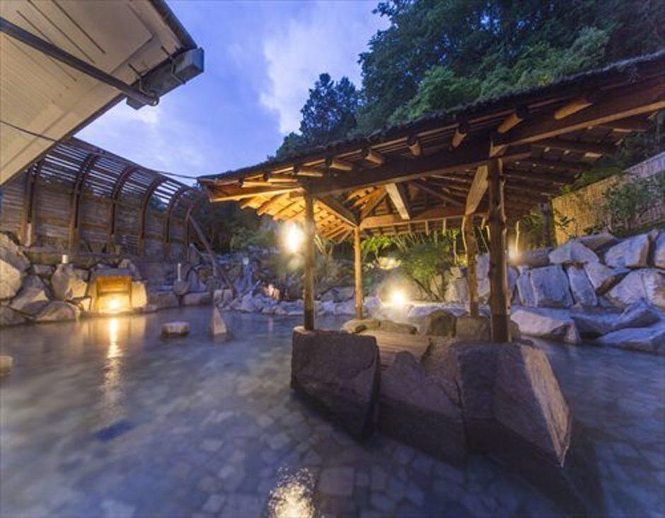 青山ガーデンリゾート ホテルローザブランカ(あおやまがーでんりぞーと ほてるろーざぶらんか)